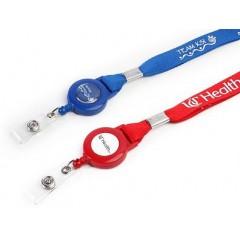 Collar satinado de 1.5 cms, con porta identificacion yoyo redondo de 3 cms