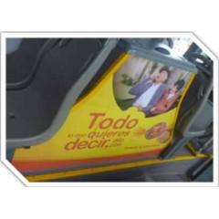 Publicidad móvil (mampara entrada al bus)
