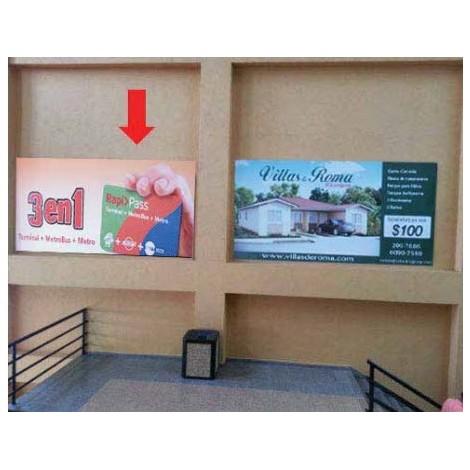Vallas publicitarias(escalera de llegada a la Plaza de Comida Norte)