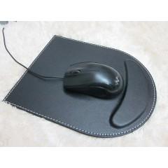 Mouse pad de cuerina slim, con costuras blancas y apoya muñeca