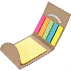 Estuche cuadrado reciclado natural con post it, y banderitas adhesivas.
