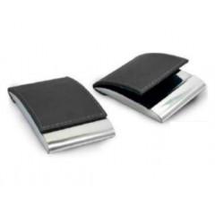 Porta tarjeta de presentación, en cuero con metal pulido, vertical.